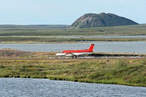 Nach Tuktoyaktuk führt keine Straße. Das Inuit Dorf in der Arktis in Kanada ist nur mit dem Flugzeug zu erreichen