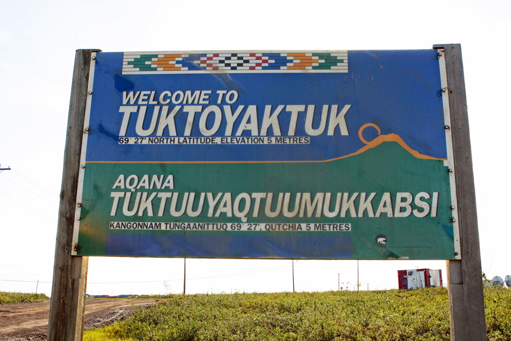 Ortsschild von Tuktoyaktuk