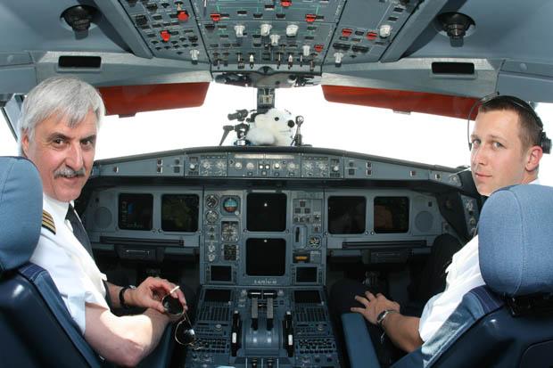 Irgendwo über Grönland erfolgte ein kurzer Besuch im Cockpit.