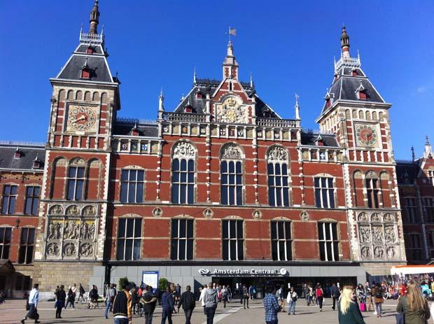 In Amsterdam erlebte ich den ersten schönen Sommertag im Jahre 2013.