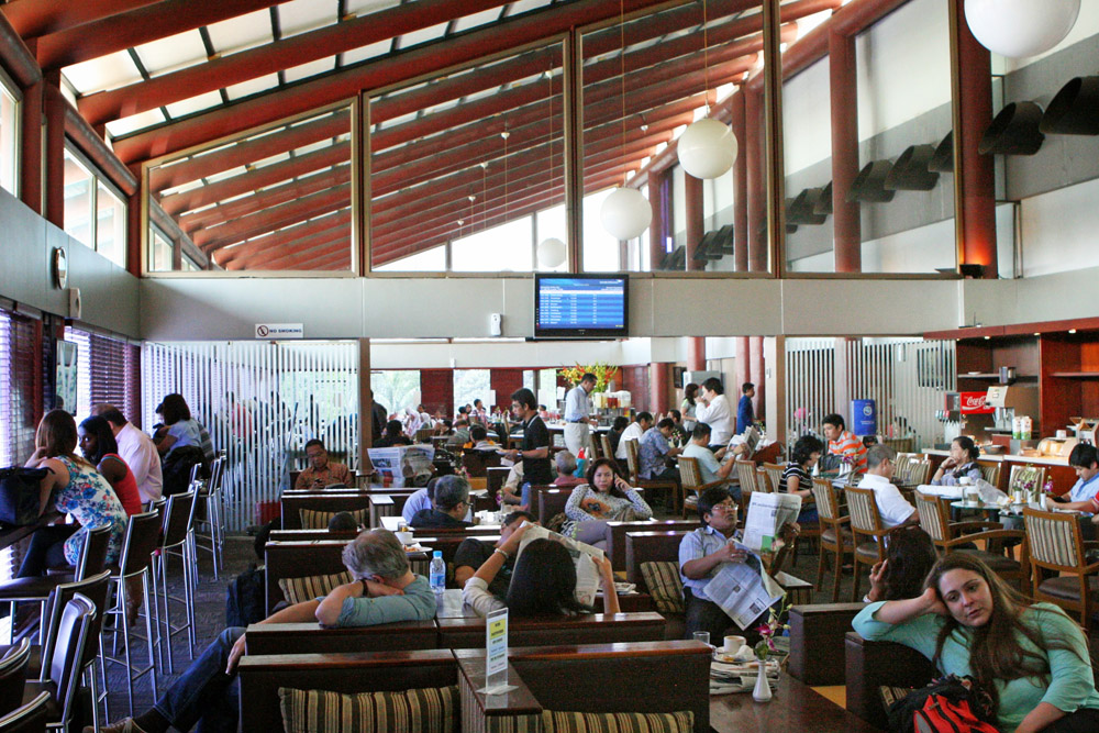 Zeit zum Ausruhen - Die Lounge am Flughafen in Jakarta.