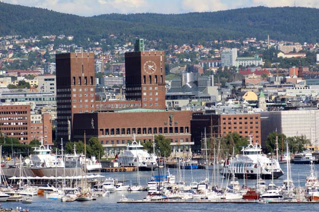 Letzter Blick auf das Rathaus in Oslo.