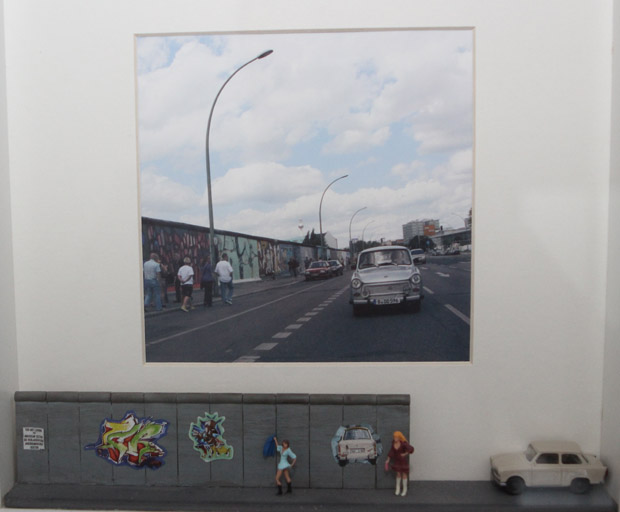 Die Berliner Mauer mal eingerahmt