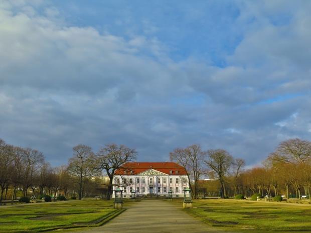 Mitten im Tierpark liegt das Schloss Friedrichsfelde