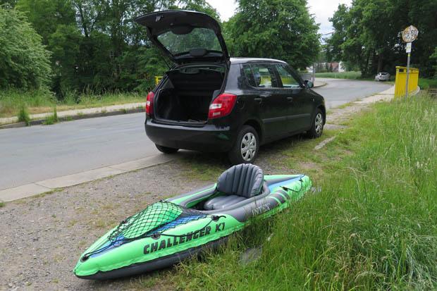Aufgepumpt passt das Kanu allerdings nicht in ein durchschnittliches Auto