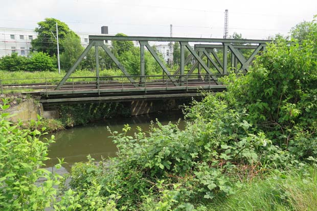 Eisenbahnbrücke an der Ausstiegsstelle