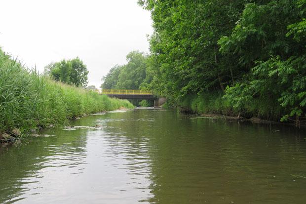 An dieser Brücke am Stadtrand startete ich die Tour.