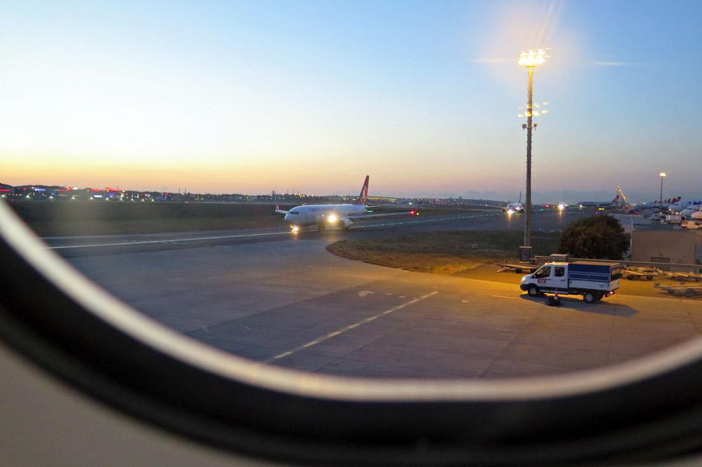 Kurz vor dem Abflug auf dem Flughafen Istanbul