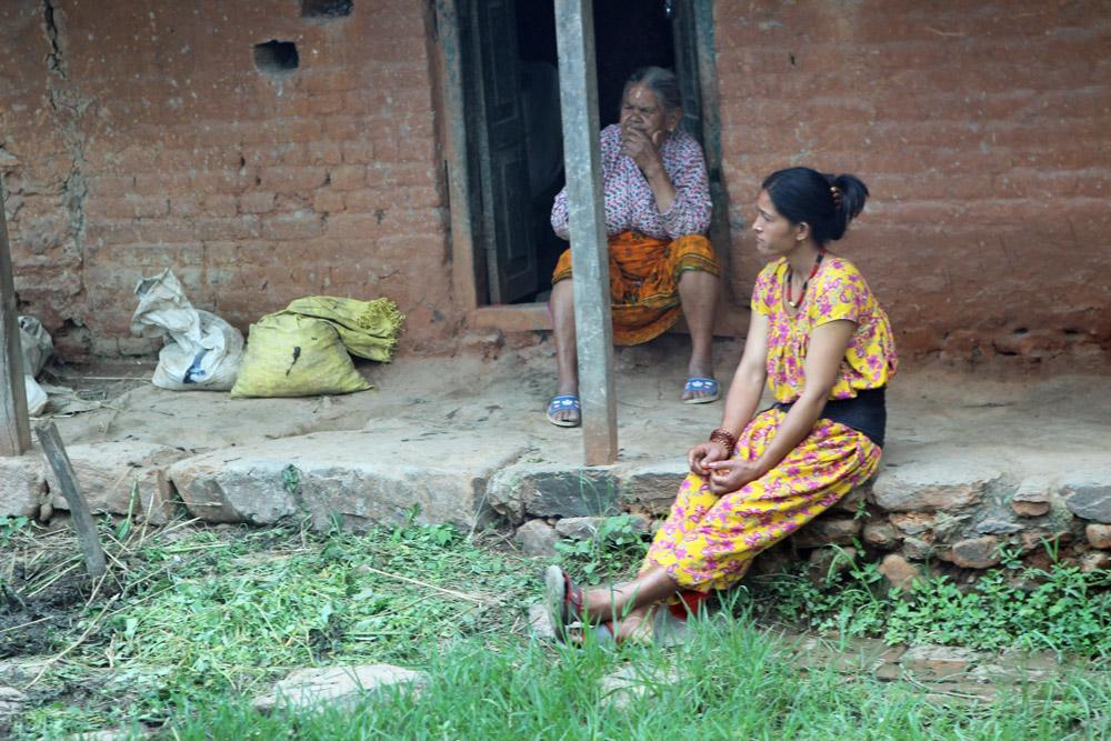 Menschen auf dem Land im Kathmandu Tal in Nepal