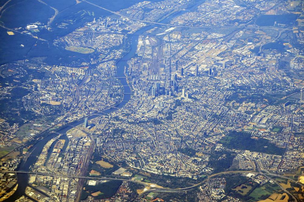 Downtown Frankfurt mit einer Luftaufnahme des Zentrums