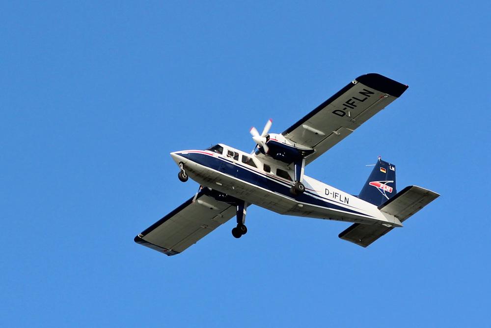 Flugzeug der Inselflieger nach Norderney in der Nordsee
