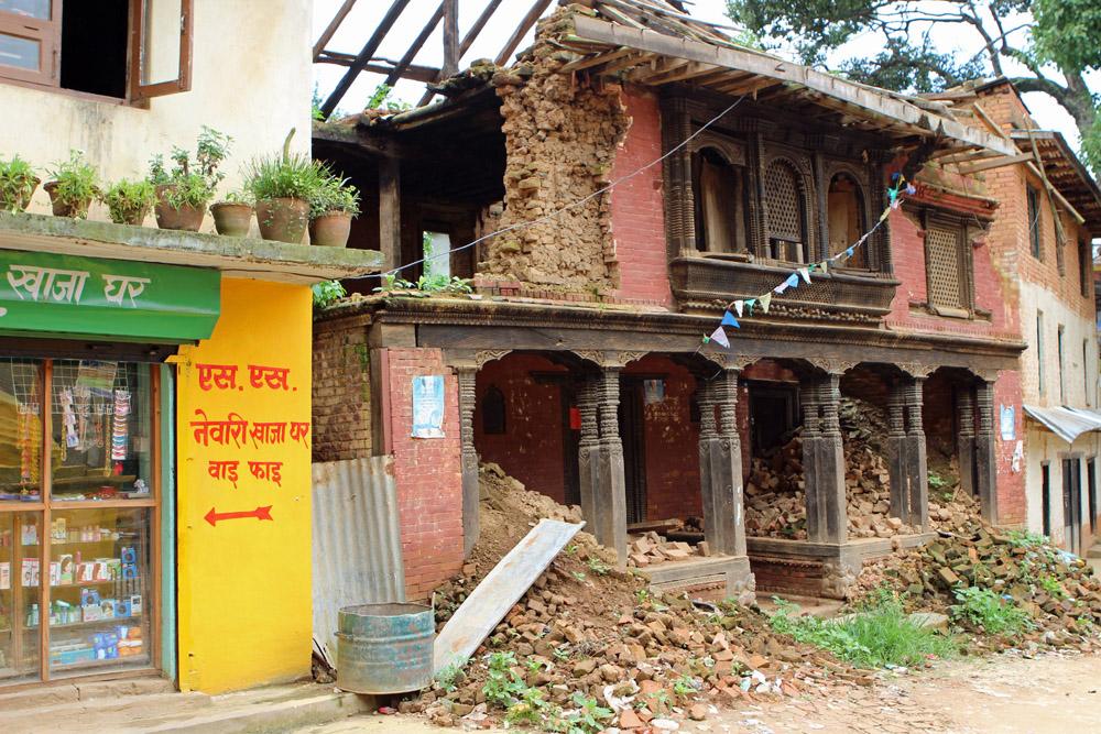 Spuren eines Erdbebens in Nepal bei Kathmandu