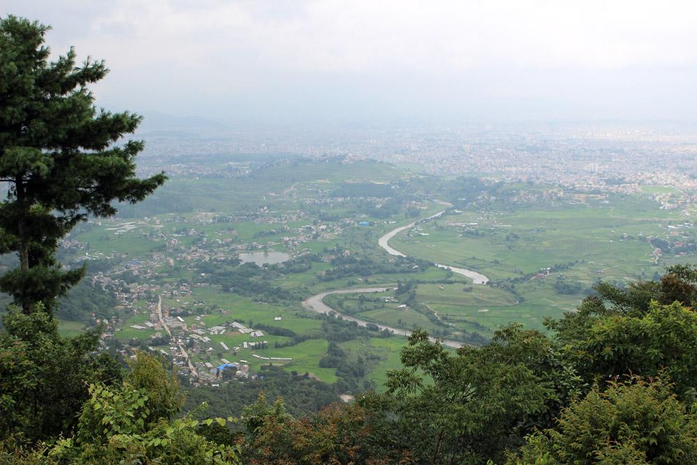 Kathmandu versteckte sich unter einem grauen Schleier