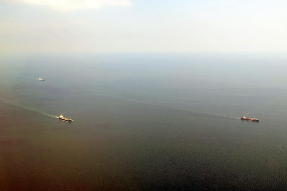 Rund um Istanbul und den Bosporus wimmelt es nur so von Schiffen