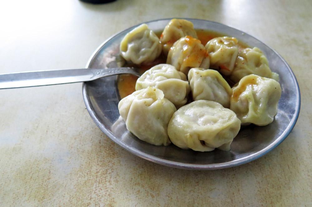 Momos gibt es überall in Nepal zu essen