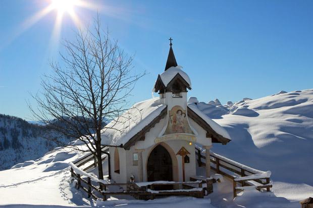 Eine kleine Kapelle an der Alm