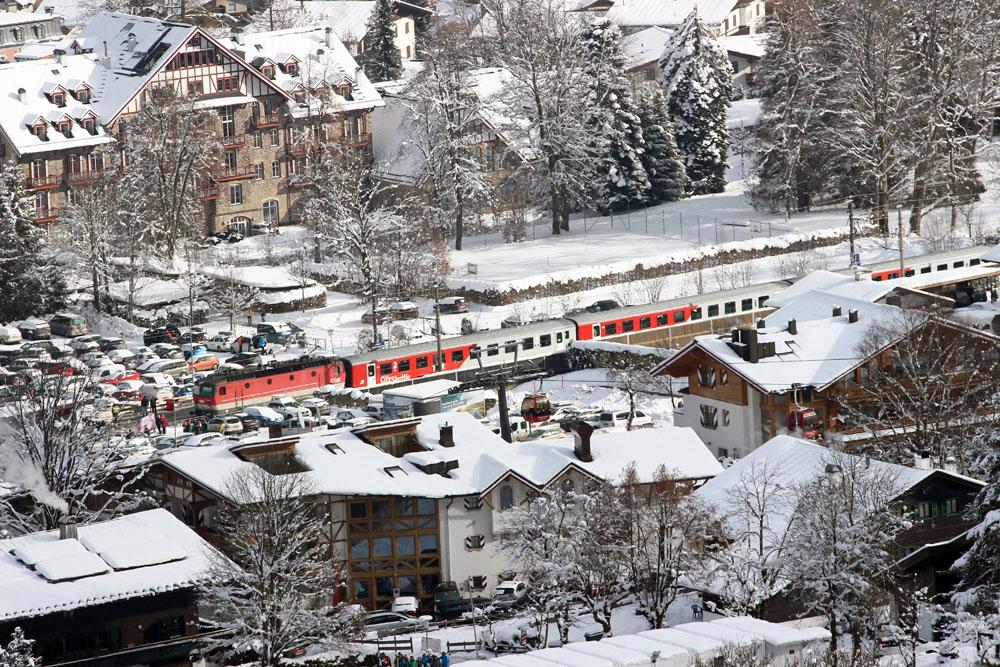 Der Bahnhof Hahnenkamm liegt direkt am Zielbereich der Streif