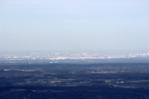 Vom Gipfel aus war auch München mit dem Fernsehturm zu sehen