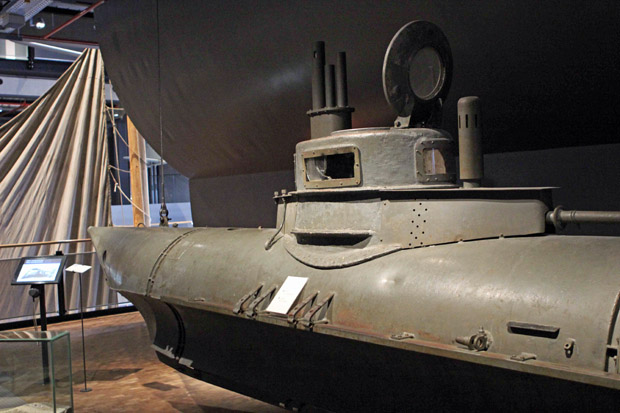 Ein U-Boot aus dem 1. Weltkrieg ist ausgestellt