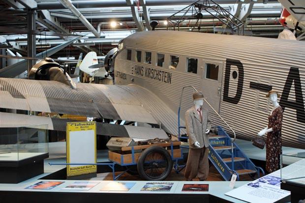 Die Ju 52 von hinten