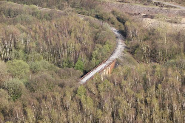 Unterhalb der Halde verliefen einst die Gleise der Zechenbahn