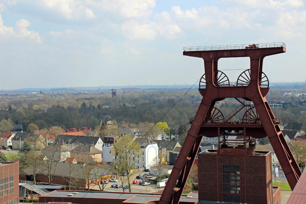 Doppelbock Förderturm von Schacht 12 der Zeche Zollverein