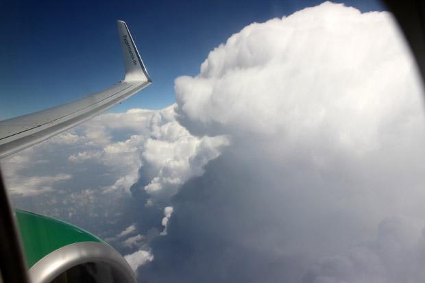 Auch größere Wolken wurden vor der Landung durchflogen