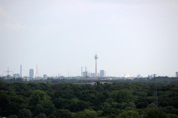 Die Fernsicht reicht bis nach Düsseldorf