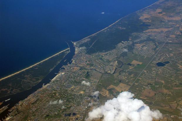 Blick über Klaipeda und einen Teil der litauischen Küste