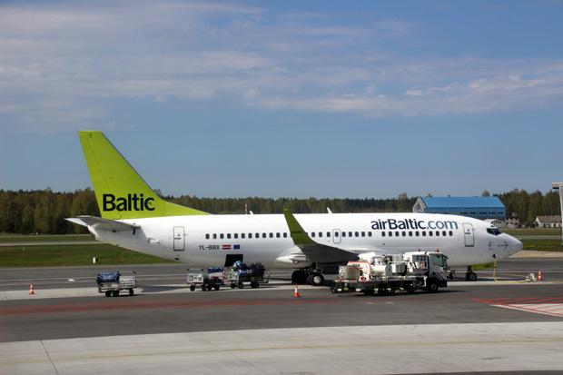 Auf dem Flughafen in Riga dominierte Air Baltic das Bild