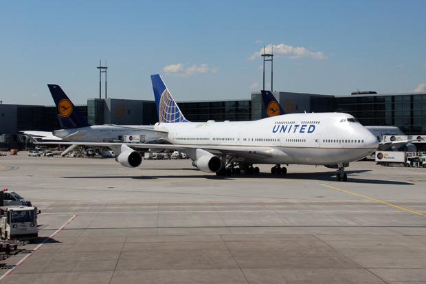 Als erstes kam mir eine 747 von United vor die Linse