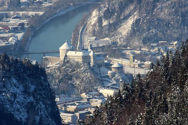 Im Winter habe ich dieses Foto der Festung aus dem Kaisertal aufgenommen
