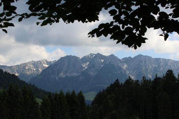 Südansicht des Zahmen Kaisers. Aufgenommen in Kirchbichl