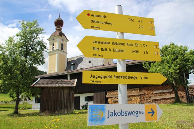 Die Kirche in Going ist Ausgangspunkt für viele Wandertouren