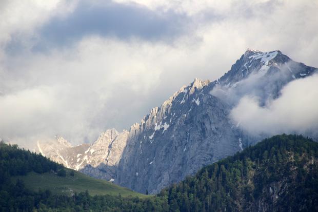 Ein Unwetter soll den Fels des Kaisergebirges freigelegt haben