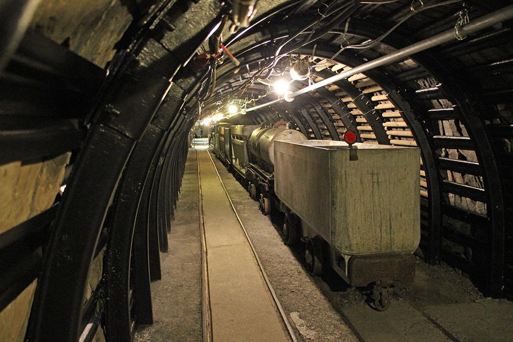 Alte Loren sind im Deutschen Bergbau-Museum Bochum zu sehen