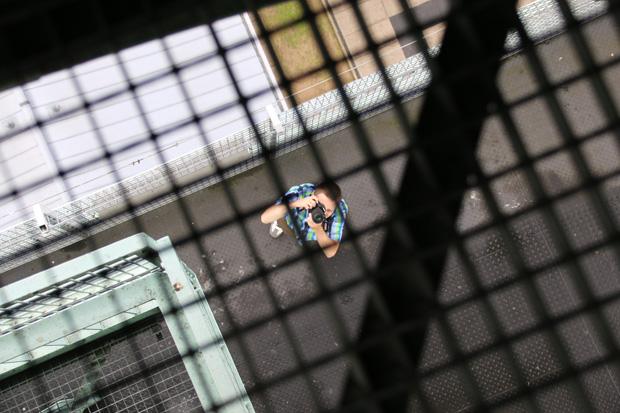 Hinter Gittern auf dem Förderturm
