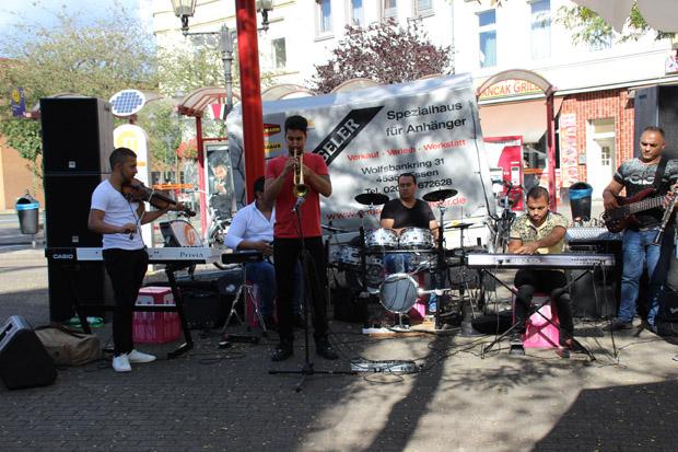 Durch halb Duisburg schallte der Sound dieser Band