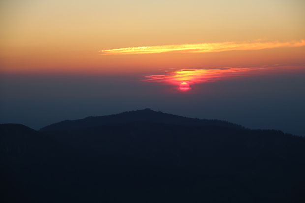 Der Sonnenuntergang hinter der Hochries entschädigt für alle Strapazen des Aufstiegs