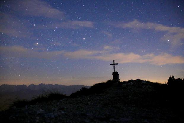 Nach dem Sonnenuntergang zeigen sich die ersten Sterne