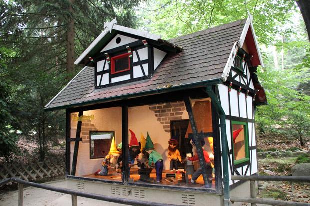 Märchenwald mit Zwergen im Freizeitpark Sommerrodelbahn Ibbenbüren