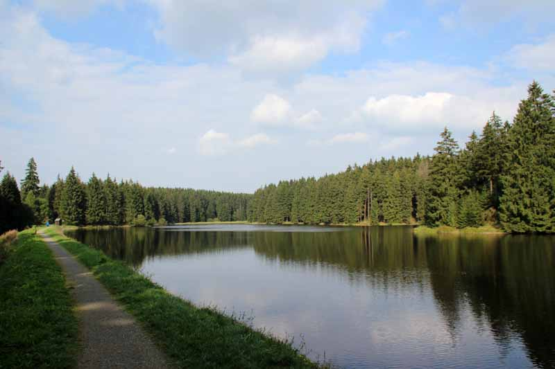 Oberer Nassenwieser Teich am Hexenstieg im Harz