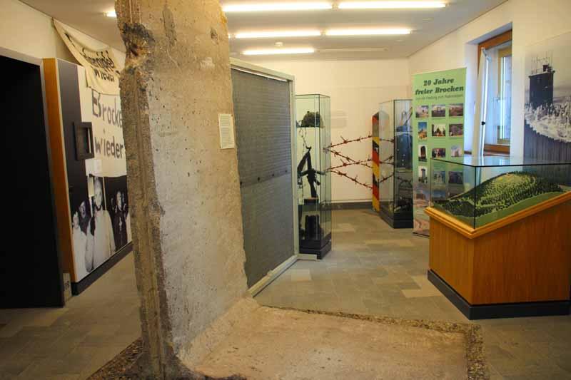 Die Geschichte der DDR ist ein Schwerpunkt im Brockenhaus