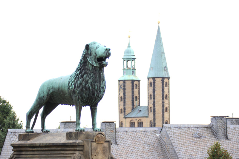 Die Kaiserpfalz in Goslar mit der Marktkirche