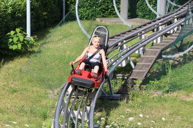 Eine Fahrt mit der Sommerrodelbahn in Bottrop macht Spaß
