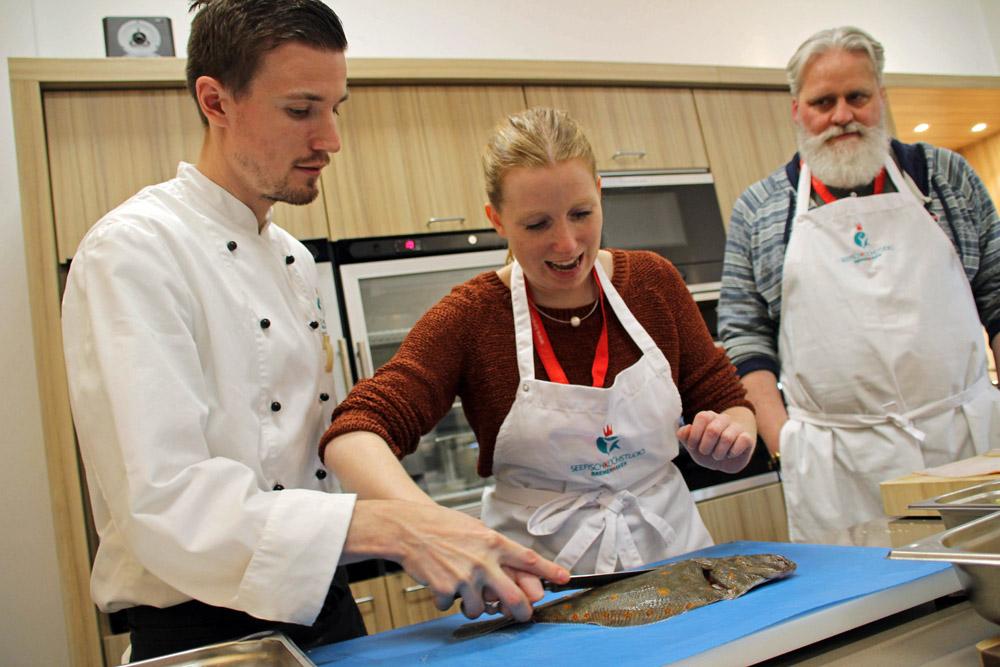 Das Seefisch Kochstudio Bremerhaven bietet ein ganz besonderes Erlebnis und Kochkurse