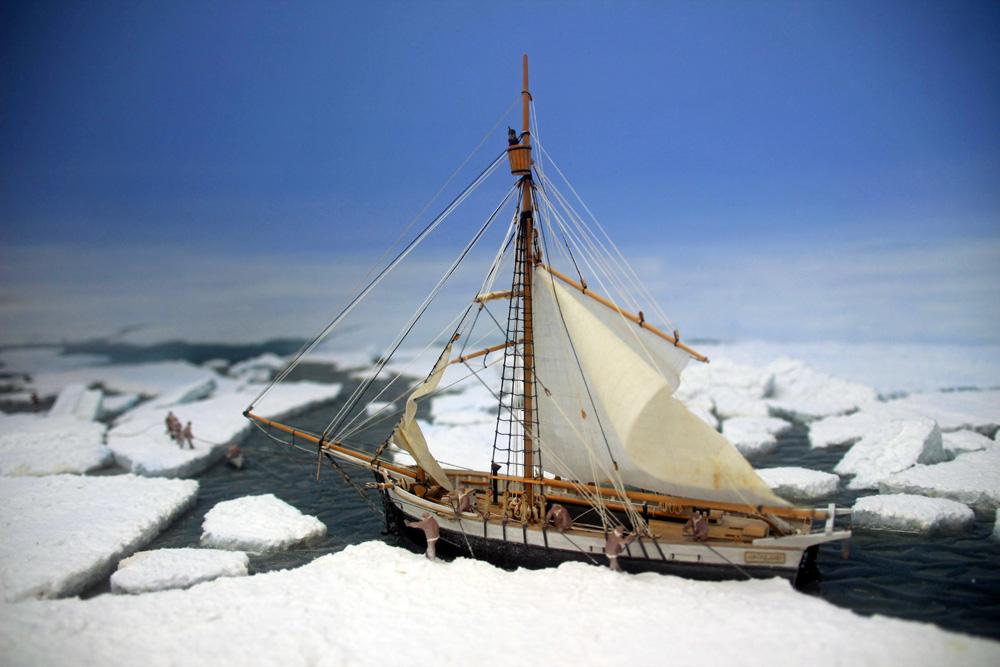 Segelschiff Grönland bei einer Polarexpedition im Eis