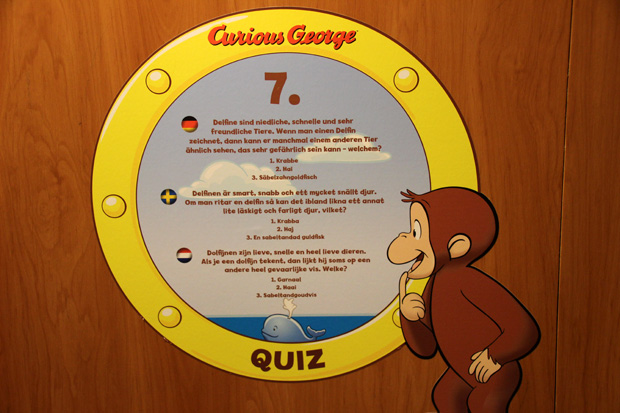 Kinder können an vielen Stellen des Schiffes Rätsel lösen