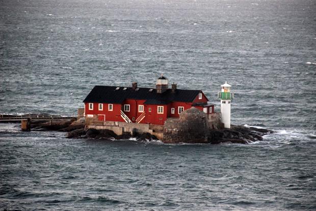 Die Küste Schwedens kam immer näher