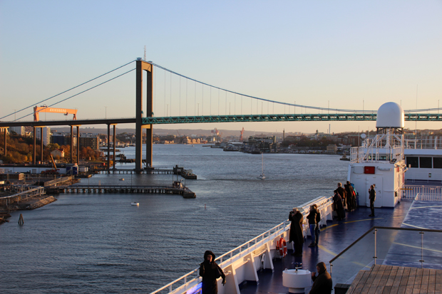 Kurz hinter dieser Brücke liegt der Anleger der Stena Line in Göteborg